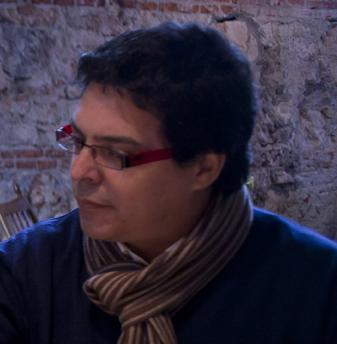 TRESMONSTRUOS MEDIA - Leslie Calvo - Productor